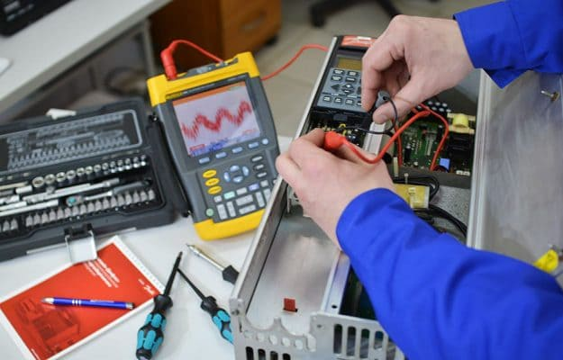 ремонт преобразователя частоты Danfoss в лаборатории Техносенс Сервис